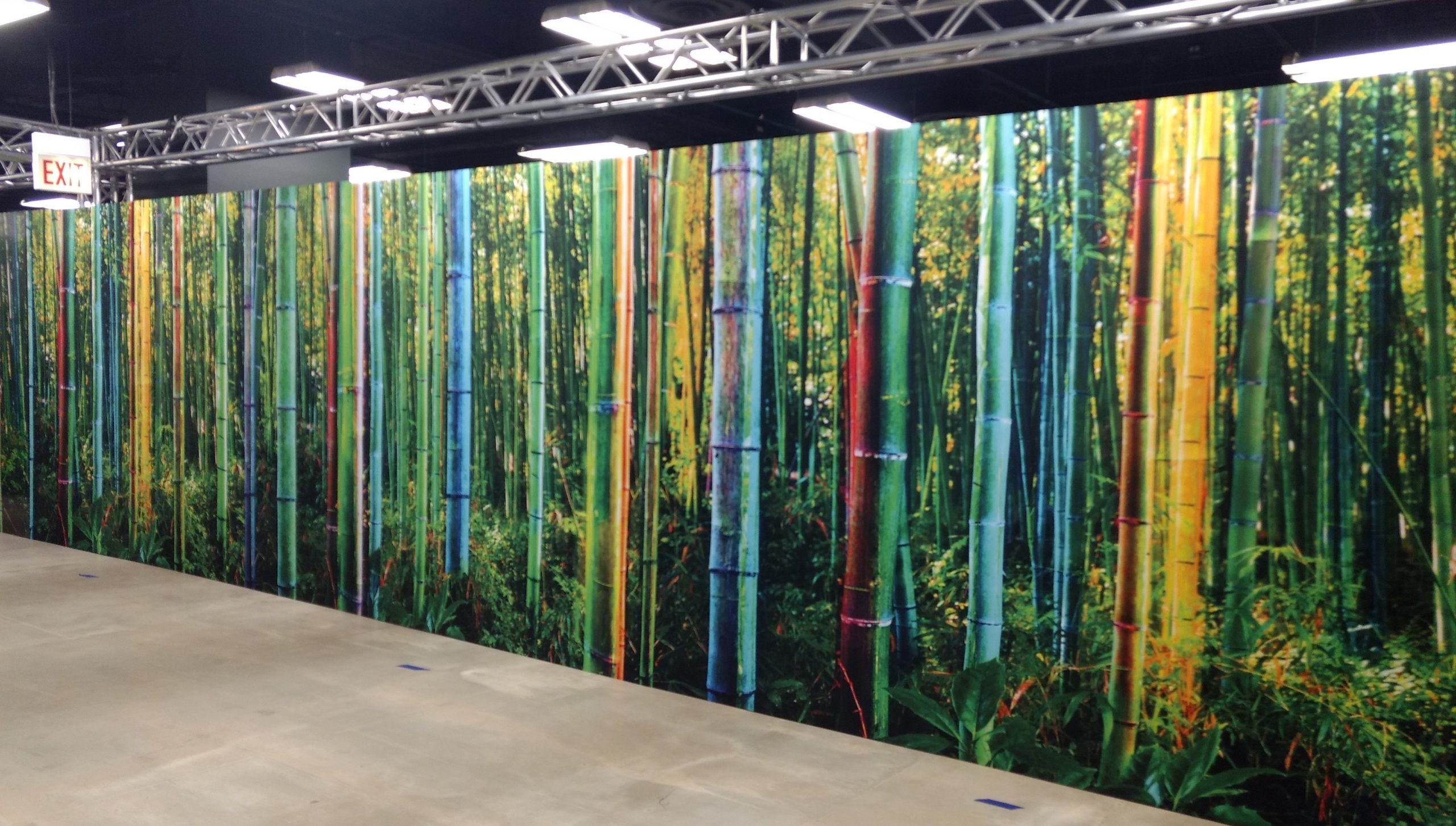 Seamless AV-Drop Modular backdrop graphic print for jungle themed experience